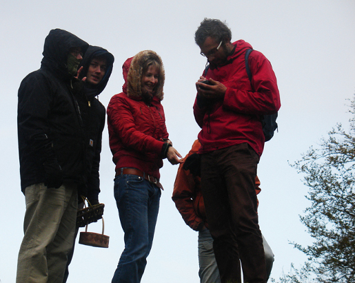 Getting the coordinates for 'Ormakroken'. From left to right: Felix Ahlner, Konrad Rybka, Juliette Huber, Love Eriksen.